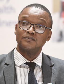 Dr.Malaki_Tshipayagae